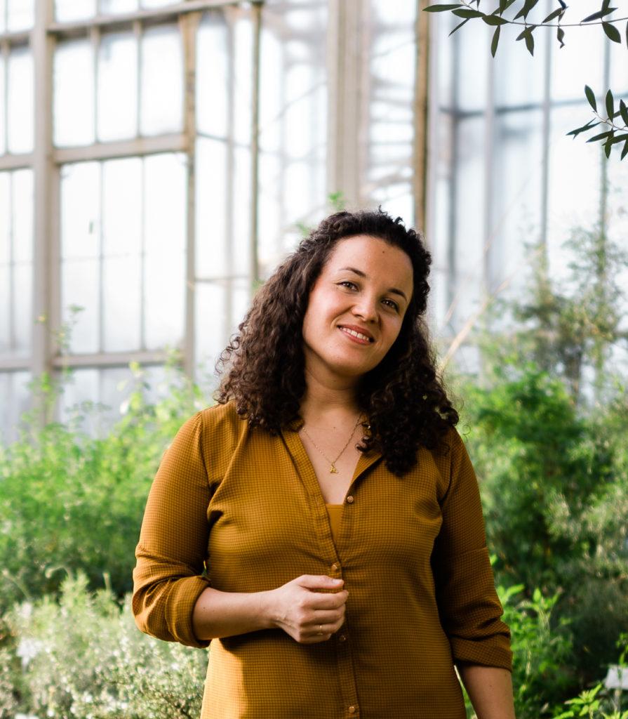 Johanna Fröhlich Zapata im botanischen Garten